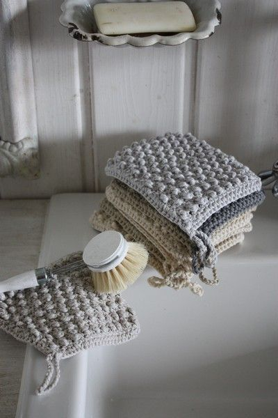 Shabby Chic handmade washable luffas. Love the idea wish I could knit.