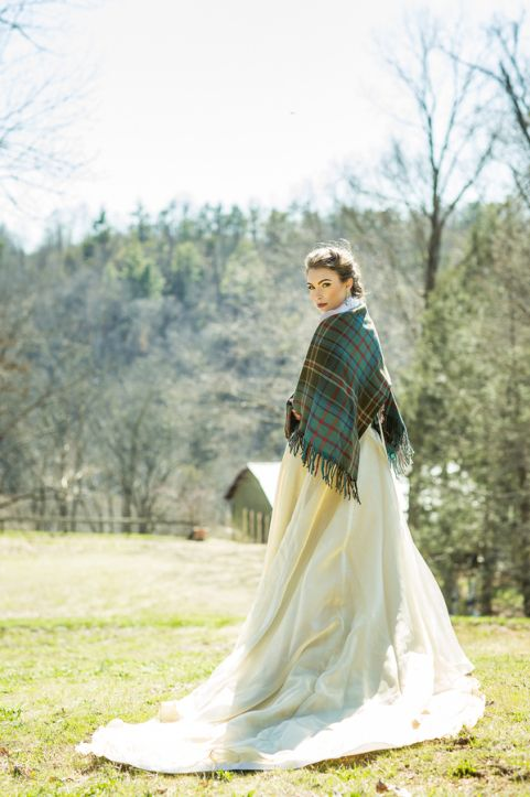 Cozy cashmere coverup for winter brides! | An Intimate Glamping Wedding Inspiration Shoot | Love Inc. Mag | photo by Drea Photo Artistry