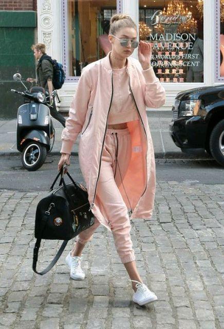 Lo ultimo en tendencias: Zapatillas de moda blancas