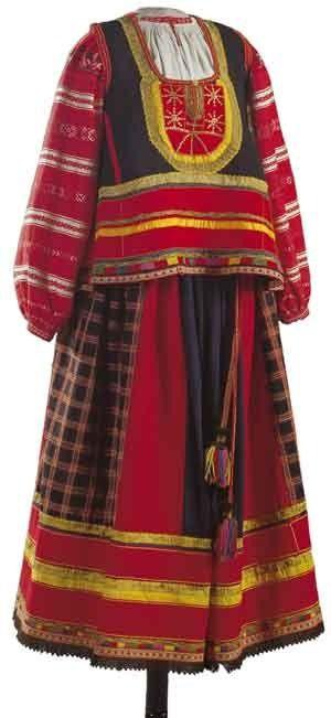 Женский праздничный костюм. Рубаха, понева, навершник. Рязанская губерния. Конец XIX–начало ХХ века