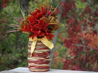 """raffia vase DIY. Just a mason jar, raffia, & modge podge. Also another craft thru this link for """"Snow Drift Candle Holders"""" -- just need a candle holder, modge podge, Epsom salts, and glitter."""