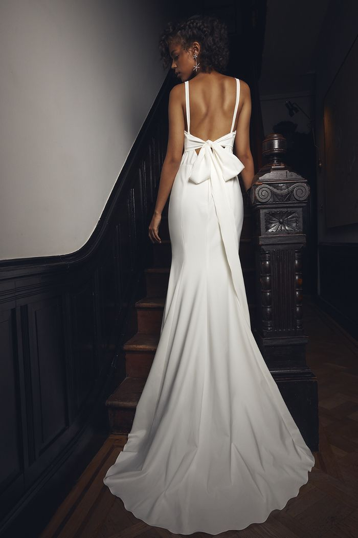 a6cae9e70b9 19 Wedding Dresses for the Minimalist Bride in 2019
