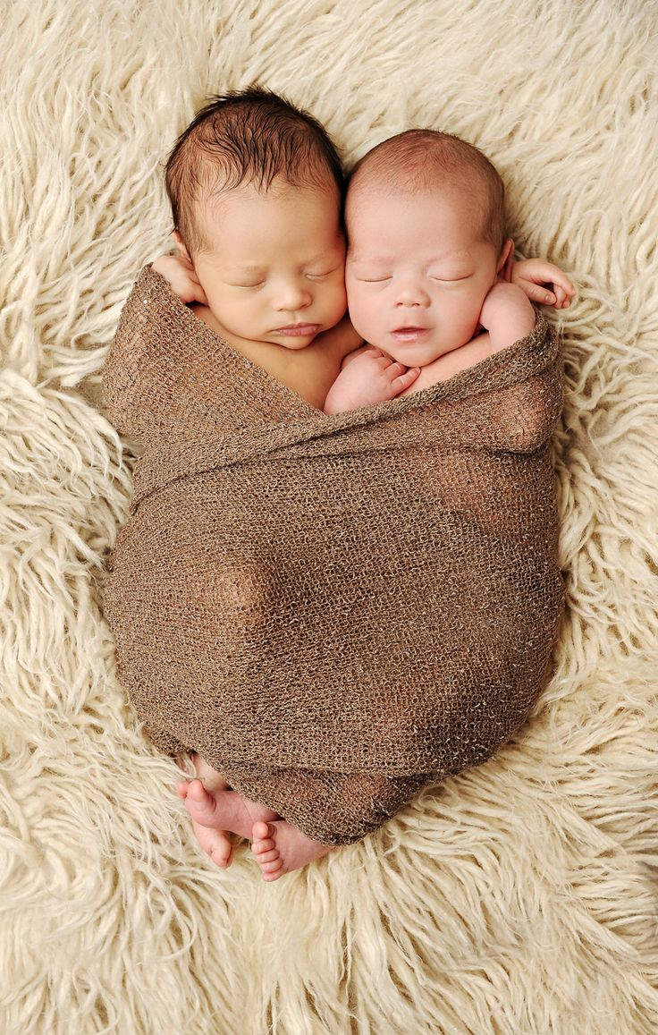 Ummm...does anyone have a newborn baby due early October that I could borrower just for fun? I love this pic!