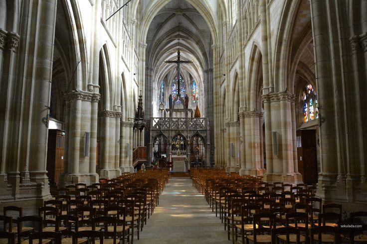 Znalezione obrazy dla zapytania katedra w reims wnetrze