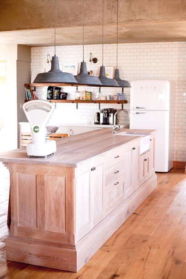 Farmhouse Kitchen Wooden Floors Farmhouse Kitchen Design Kitchen Design Contemporary Farmhouse Kitchen