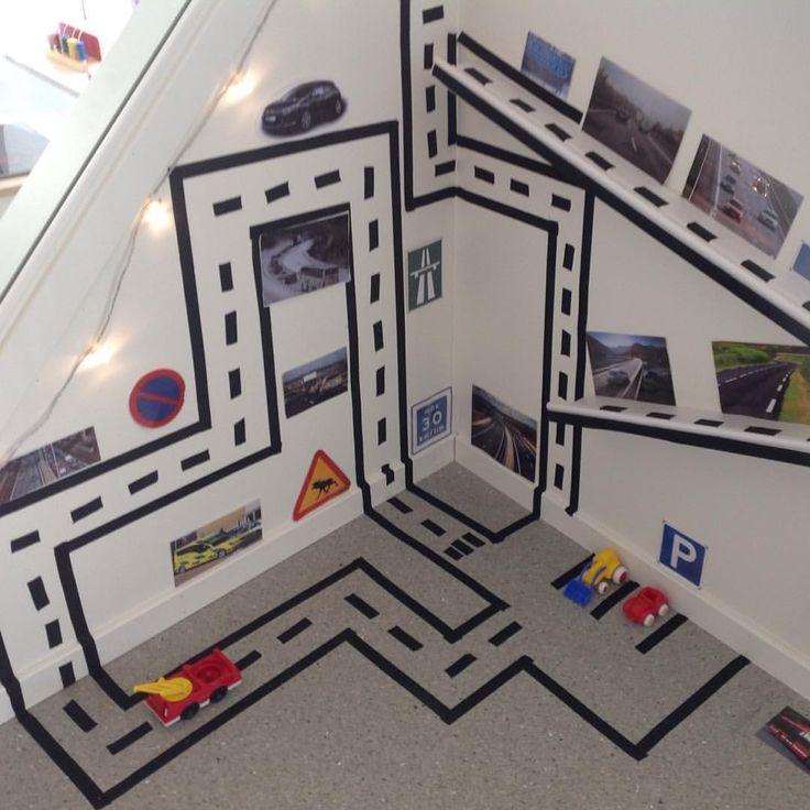 """206 gilla-markeringar, 28 kommentarer - Evelina Weckström (@inspirerande_larmiljoer) på Instagram: """"Klart man kan använda väggarna! . #förskola #preeschool #kindergarten #skapande #reggioemilia…"""""""