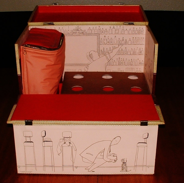 1952 Portable Travel Bar Case Luggage holds Liquor & Wine bottles. Party like the 50's Jet Set. Mid Century Modern.