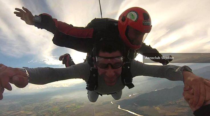 Salto tándem sobre Flandes Tolima, la mejor alternativa para tu primer salto en paracaídas. ¡ Decídete y reserva tu salto ya!