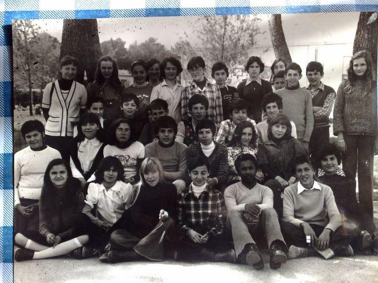 Photo de classe 4A collège pin d'alep de 1976, Collège Les Pins D'alep - Copains d'avant