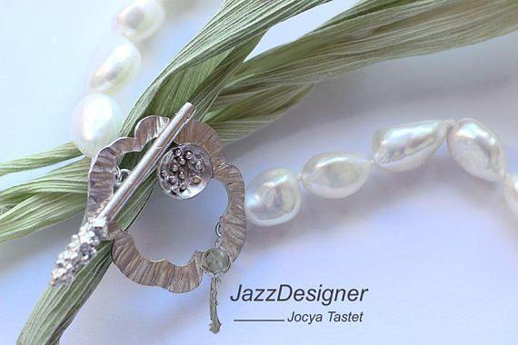 Retrouvez cet article dans ma boutique Etsy https://www.etsy.com/fr/listing/466637463/collier-perles-collier-fleur-collier
