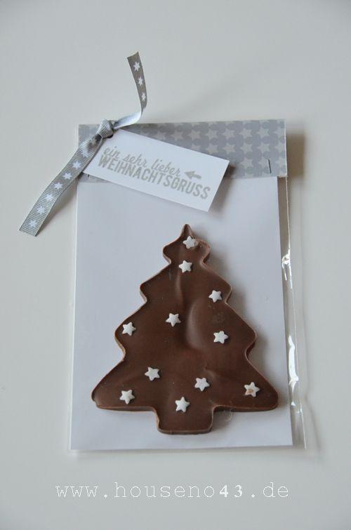 Nur noch wenige Tage bis zum Weihnachtsfest. Die Vorbereitungen laufen auf Hochtouren. Heute zeige ich Euch noch einige Mitbringsel, die schnell gemacht sind. Schokoladen Tannenbäume und Sterne  Entdeckt habe ich diese Idee bei Casa di Falcone, klick...