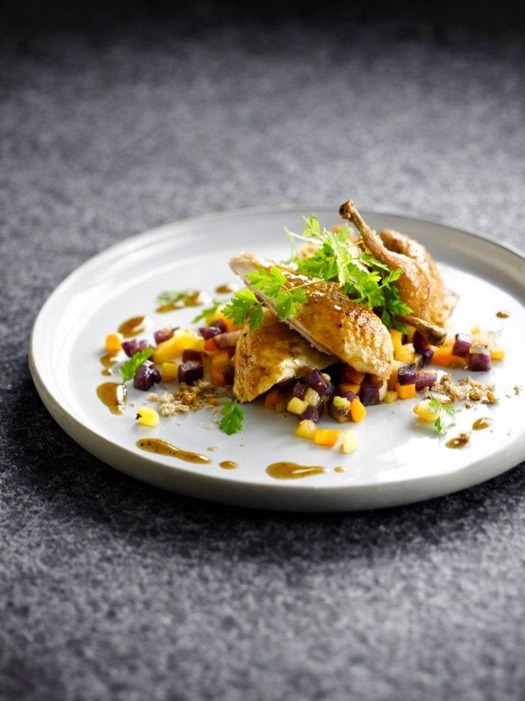 """Het lekkerste recept voor """"Ratatouille van wintergroenten met kwartel"""" vind je bij njam! Ontdek nu meer dan duizenden smakelijke njam!-recepten voor alledaags kookplezier!"""