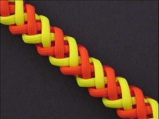 Double Corset Spine and over 200 other paracord designs.