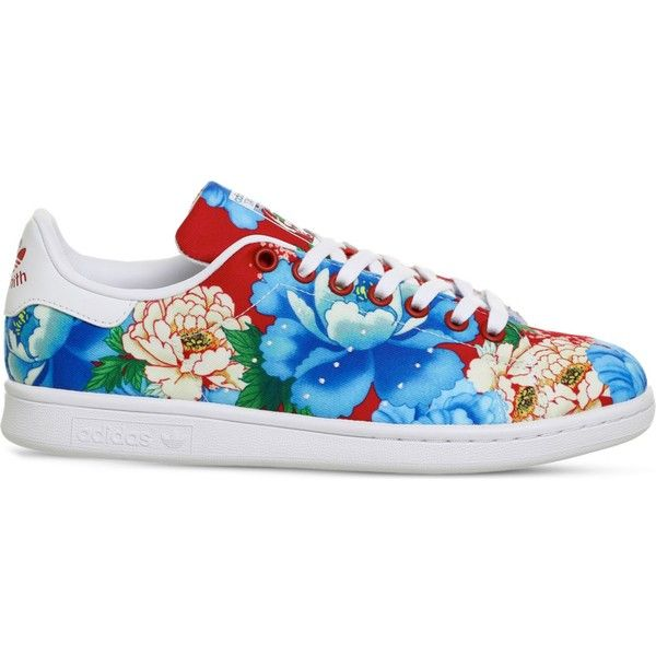 Adidas Power Red Floral Stan Smith canvas trainers (£59) ❤ liked on Polyvore featuring shoes, sneakers, canvas sneakers, adidas trainers, polka dot shoes, adidas sneakers and striped sneakers