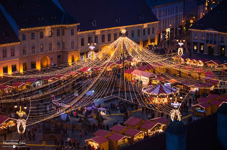 Christmas Market in Sibiu, Transylvania, Romania. Credits Gabriel Gabel