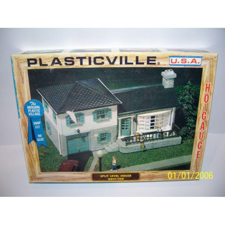 Plasticville original bachmann split level house 2901 198 for Split level kit homes