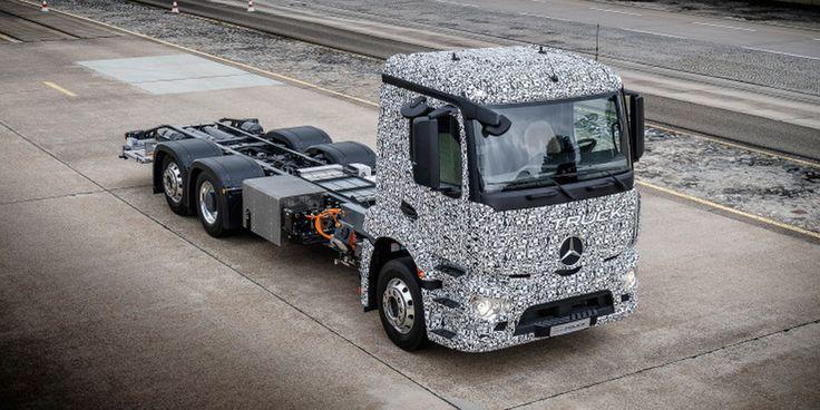 Hoy Daimler ha presentado el primer gran camión eléctrico, el Mercedes-Benz Urban eTruck, un camión diseñado para el transporte urbano sin contaminación.