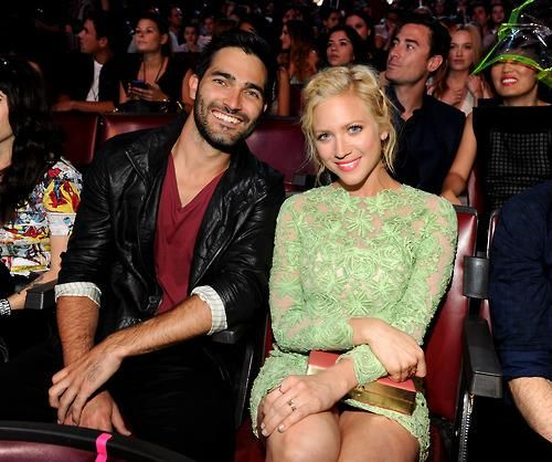 tyler hoechlin and girlfriend brittany snow at the tcas