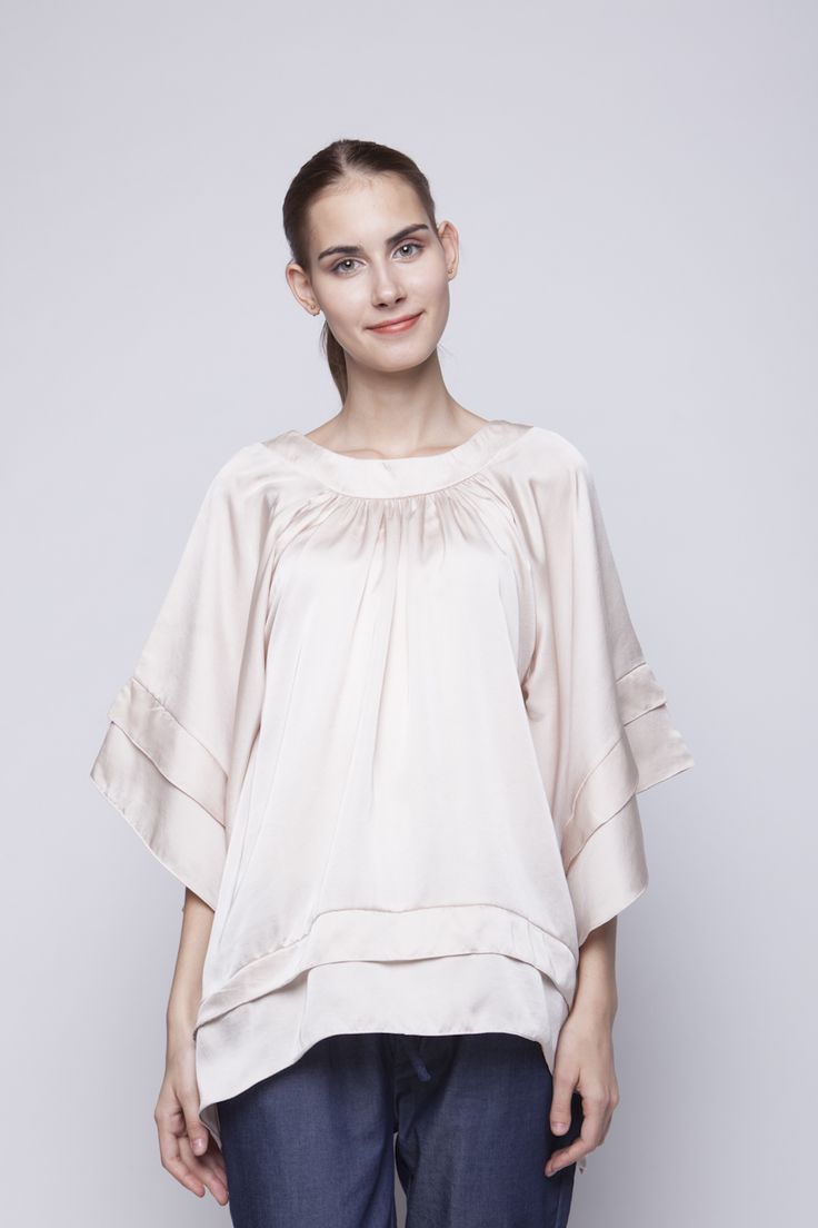 Lily Blouse Cream | Rp 221.250
