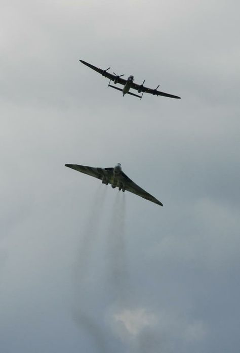 What a stunning picture of the two Avro icons of British Aviation. The #Lancaster and the #Vulcan set pulses racing at the Battle of Britain Memorial Flight. #XH558