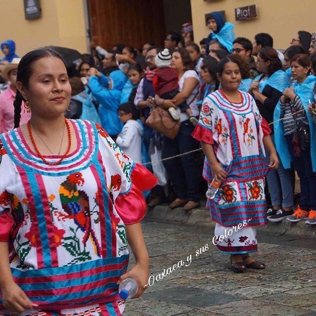 Hermosa vestimenta tradicional de Huautla de Jiménez 👌🏼#oaxaca #oaxacaysuscolores #amolaropatipica #ropaartesanal #vestimenta #tradicional #asiesoaxaca #Guelaguetza #amooaxaca #tradiciones #cultura #fiesta #colores #asiesmexico #textiles #artesanal #orgullosamente #oaxaqueña