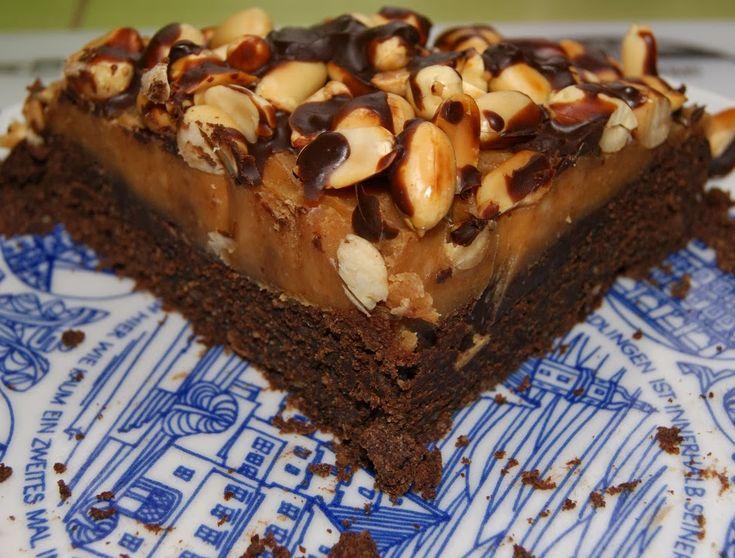 Torcik brownie z mascarpone i masłem orzechowym, bez glutenu