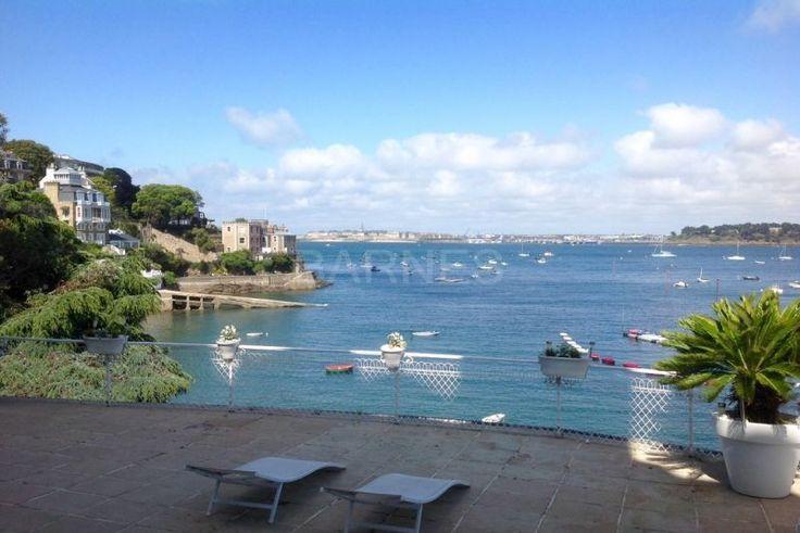 Dinard/vue sur mer, exceptionnel appartement 5 pièces avec terrasse de 137 m2 exposé au sud, accès privatif direct au port.