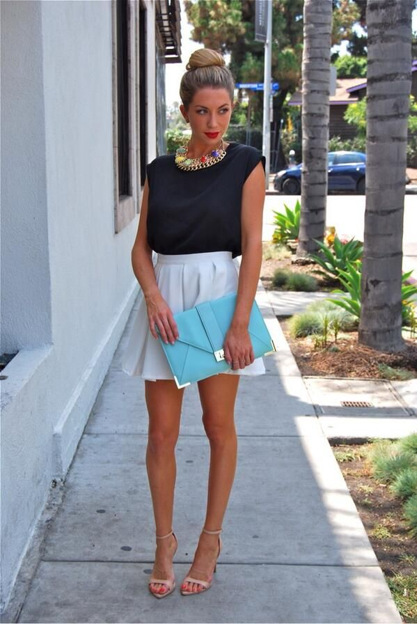 Stassi Schroeder Gives 'Vanderpump Rules' Season 2. Always so posh great job on hair, lips, and statement necklace.