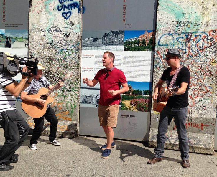Tony Mortimer with Gregory Darling and Paul Gendler in front of the Berlin Wall for RTL TV, Germany