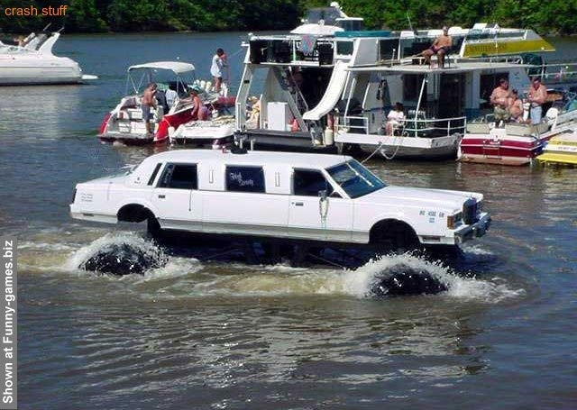 Off-Road Limousine: Limo Water, Interesting Limousin, Amphybi Limousin, Off Roads, Amphibi Limousin, Limousin Philadelphia, Cars Limo, Offroad Limousin, Crazy Cars