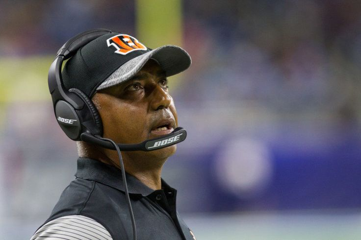 Should the Bengals stay the course with Marvin Lewis? = Expectations change, and in a lot of ways, that's what's going on in Cincinnati with Marvin Lewis and the Bengals. With seven games left in the regular season, there is still time for the 3-5-1 Bengals to figure things out and.....