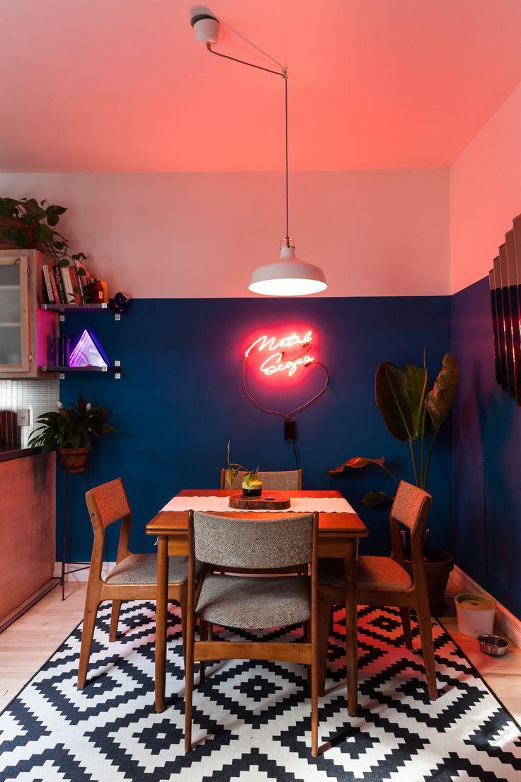 Sala de jantar. #neon #dinnerroom #saladejantar #decoração #ambientedecorado