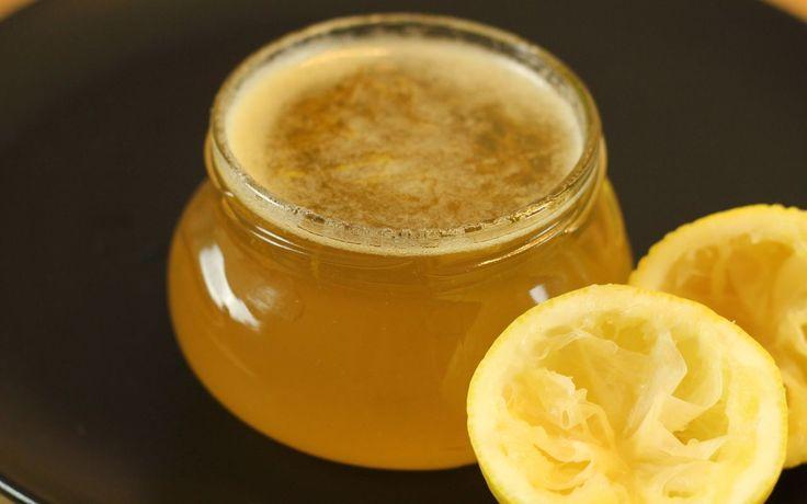 Nachdem wir letzten Winter für euch Orangenmarmelade gekocht haben, zeigen wir diesmal ein Zitronengelee. Das Gelee schmeckt durch seine belebende Säure schön frisch, abgerundet mit …