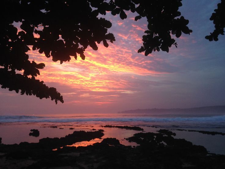 Sunset sawarna beach @banten #tanjunglayar.