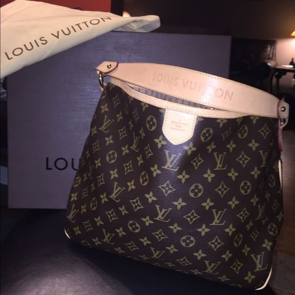 Authentic Louis Vuitton Delightful PM Like New Authentic Louis Vuitton Delightful PM!!! Comes with Box, Dust Bag & Shopping Bag. Carried a handful of times. Louis Vuitton Bags