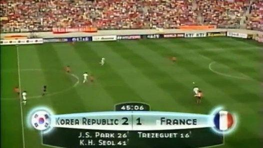 """Thierry Roland : """"Il y a rien qui ressemble plus a un coréen quun autre coréen."""" http://www.dailymotion.com/video/x4h43g8_thierry-roland-il-y-a-rien-qui-ressemble-plus-a-un-coreen-qu-un-autre-coreen_sport"""