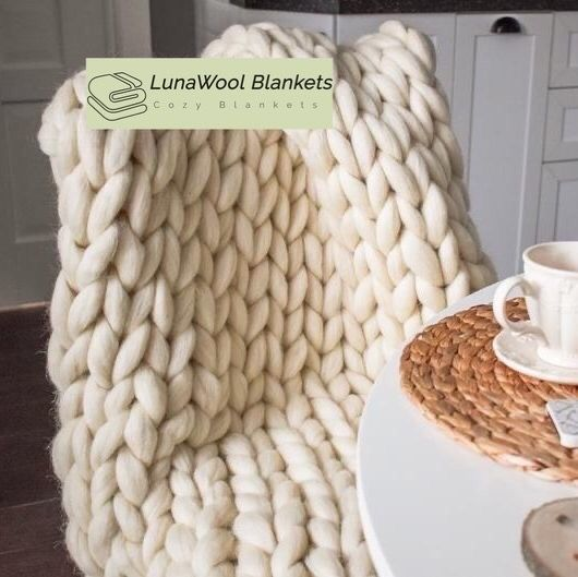This Chunky Knit Throw Blanket Pattern Is Totally Beginner-Friendly Make