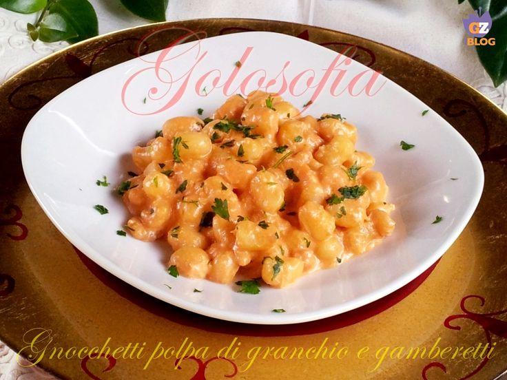 Gnocchetti alla polpa di granchio e gamberetti, buonissimo e delicato primo piatto, ideale da servire la cena della Vigilia.