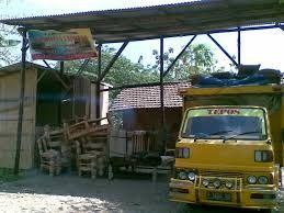 ekspedisi lingga jati siap mengirim barang anda sampai tujuan. Ekspedisi by pick up, truk, maupun kontainer.