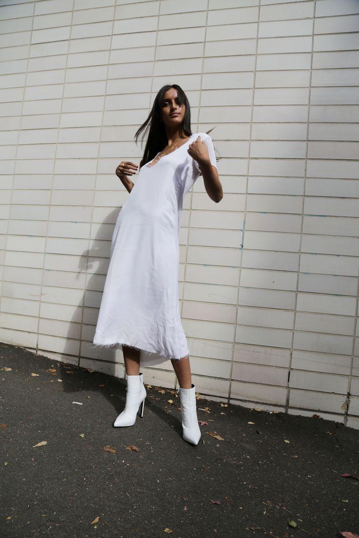 The White Edit: Bella Thomas wears 'Freddie' White Capretto. #thewhiteedit x #tonybianco