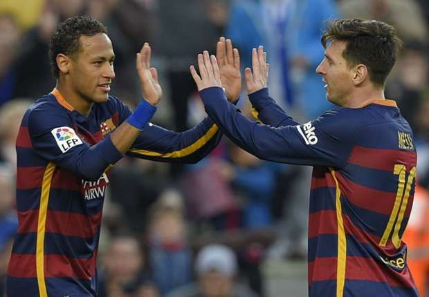 Lionel Messi menyebutkan Barcelona makin sempurna sebab Neymar dalam sekian th terakhir telah berkembang jadi pemain yg lebih komplet. Empat thn dulu, Messi & Neymar mesti berhadapan di final Piala Dunia Antar Club 2011 dgn mengambil panji dua club yg tidak sama, Barcelona & Santos. Tapi sekarang ini, keduanya bakal bahu-membahu dgn seragam El Barca.