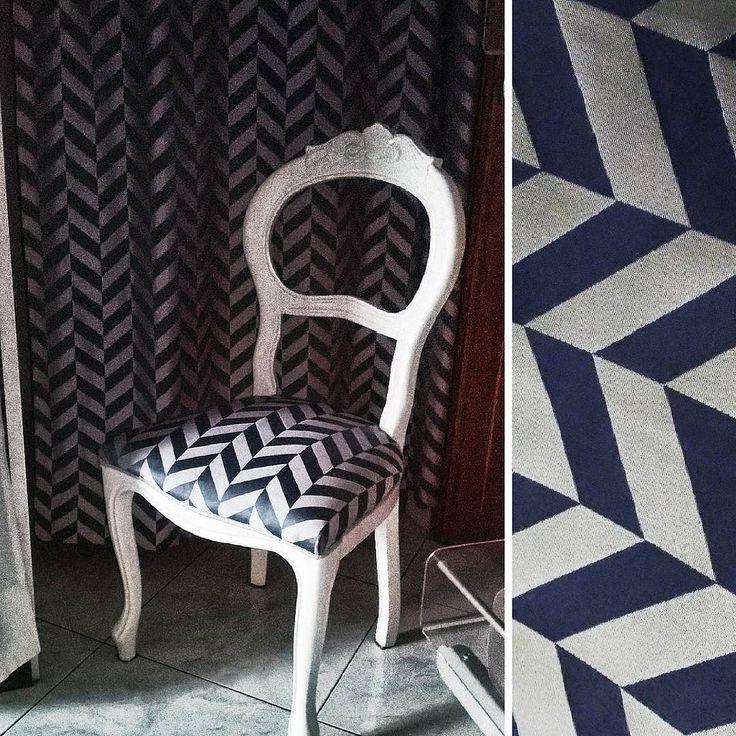 """Un coordinato moderno e raffinato per poltroncina e tenda del camerino da """"Il mondo di Martina"""". #Tessuto per #tappezzeria #ignifugo collezione #Paris  #Artigianato #tende #tendaggi #tessuti #arredamento  #curtains #textile #textiles #homedecor #homedesign #hometextile #fabric #design #interiordesign #homedecor #homedesign #hometextile #decoration #italiantextile #GammaTessuti #madeinitaly"""
