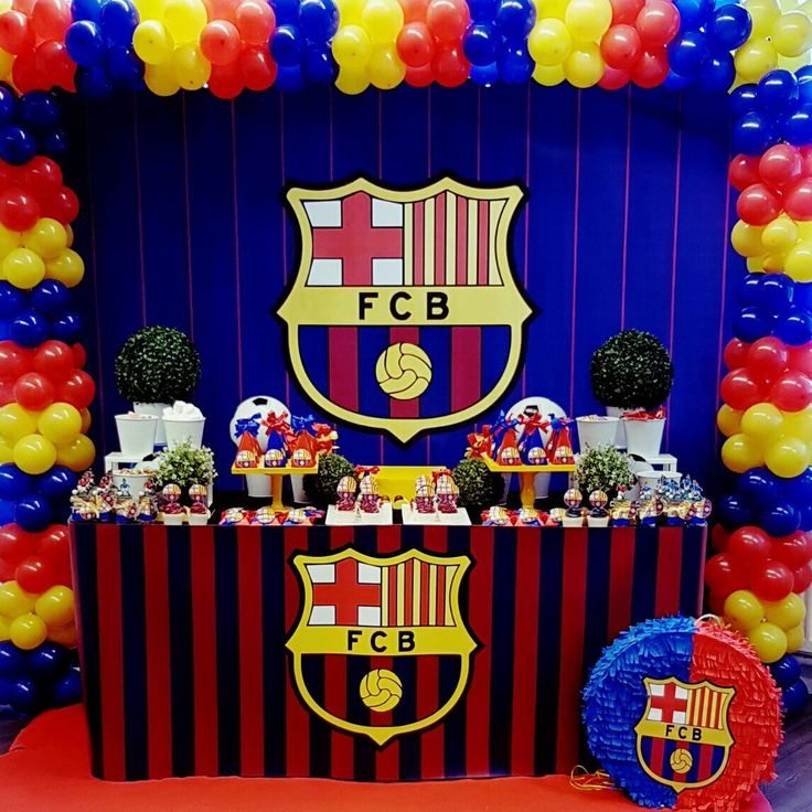 AMAZING party by Piñatas en tutus in Netherlands using our Barca Backdrop! Check out our awesome backdrops for your parties! They will give it a twist! NOW offering PRINTING as well!