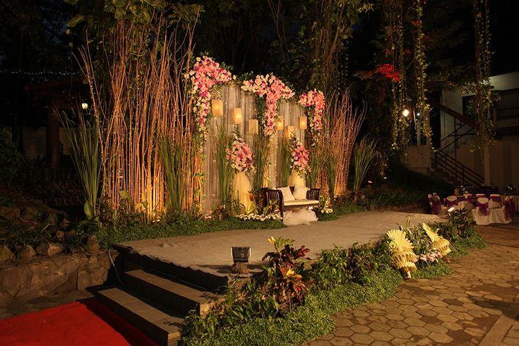 Pernikahan Percampuran Dua Budaya Ala Nadia dan Matthias - IMG_6719_wedding stage