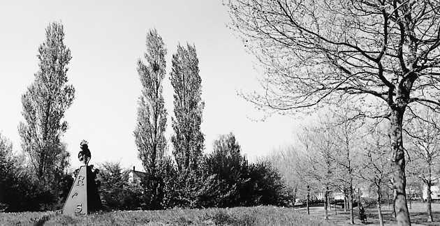 Cornelius Rogge, zonder titel (1988), De Gouwen, Almere Haven. © Witho Worms, Museum De Paviljoens