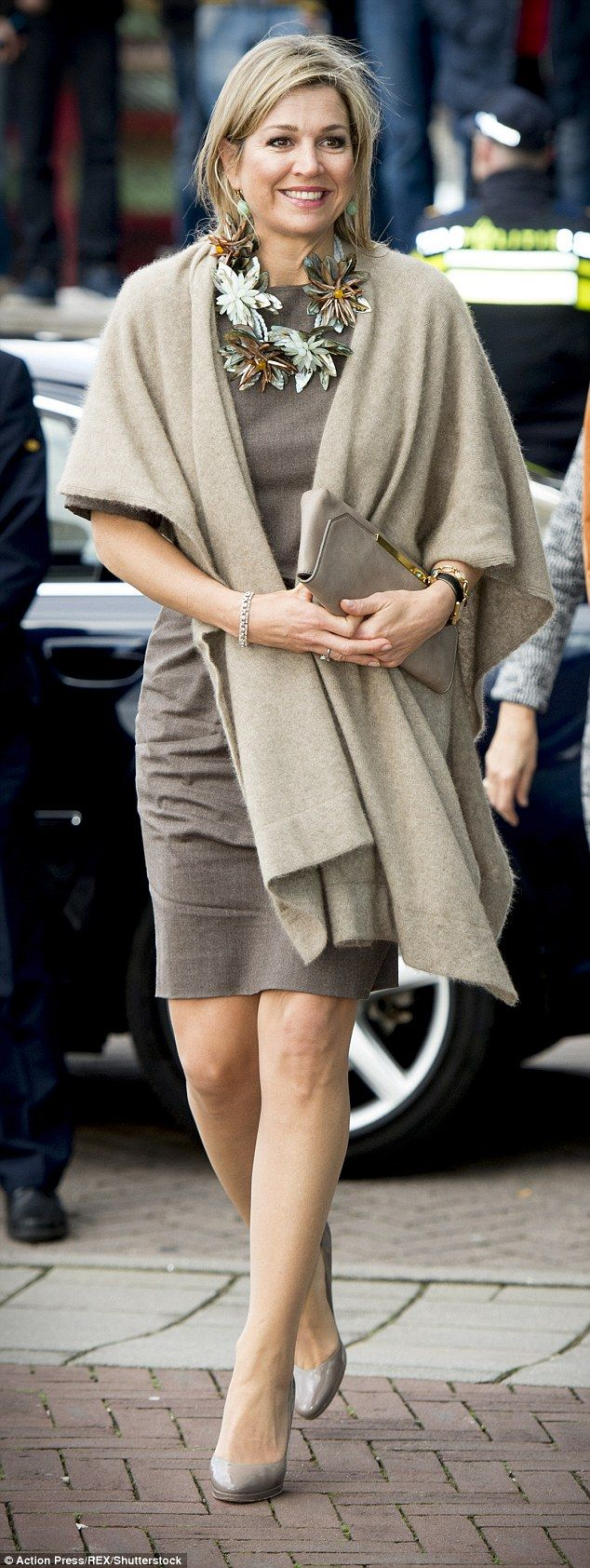 ♥•✿•QueenMaxima•✿•♥...44, chose a neutral-toned outfit with a tailored shift dress but added a ...