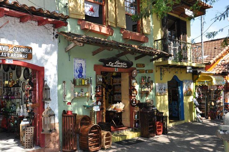 Feira de Artes de Embu é uma das mais famosas de todo o mundo no segmento (Foto: Sandra Pereira)