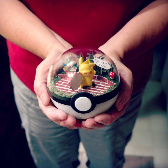 These #pokemon terrariums by The Vintage Realm are crazy awesome! If only there was UK shipping :(  http://the-vintage-realm.deviantart.com/gallery/pic.twitter.com/hlDmfLwJ2V