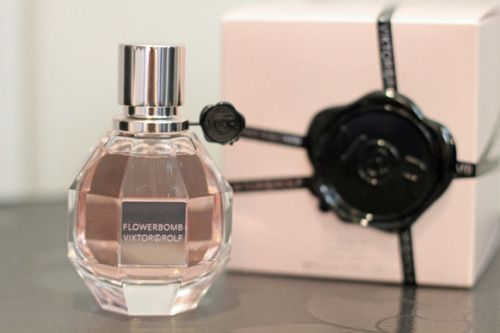 flowerbomb. long lost love of mine... still my fave tho!