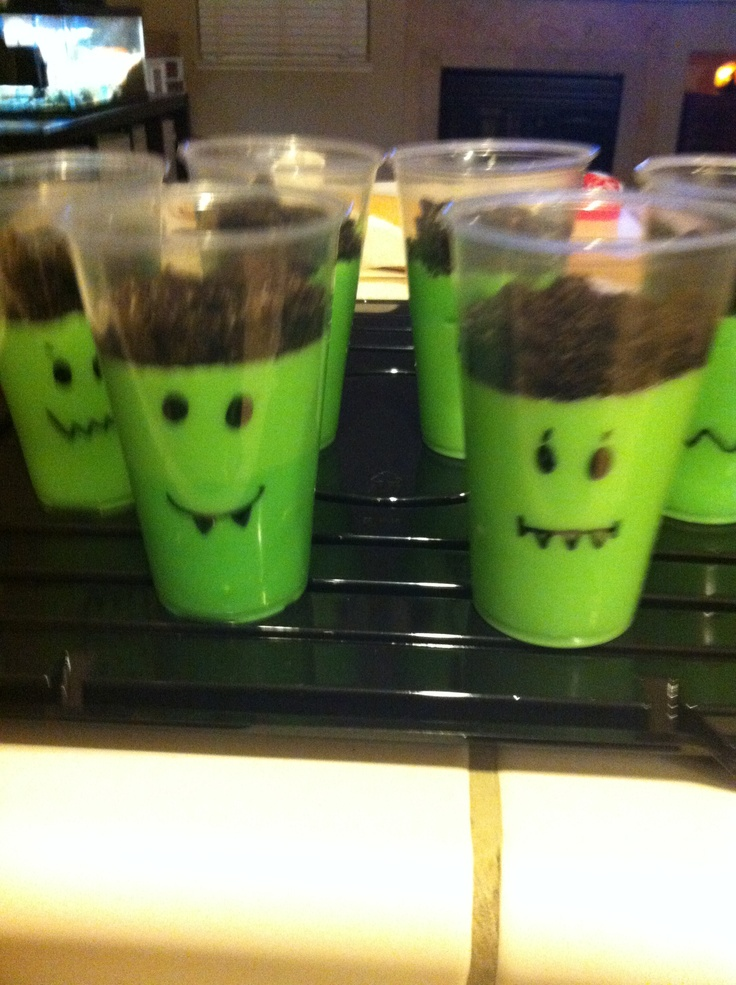 Frankenstein Pudding Cups! Cute idea for Kids Halloween Party!